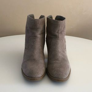 Nine West suede boots